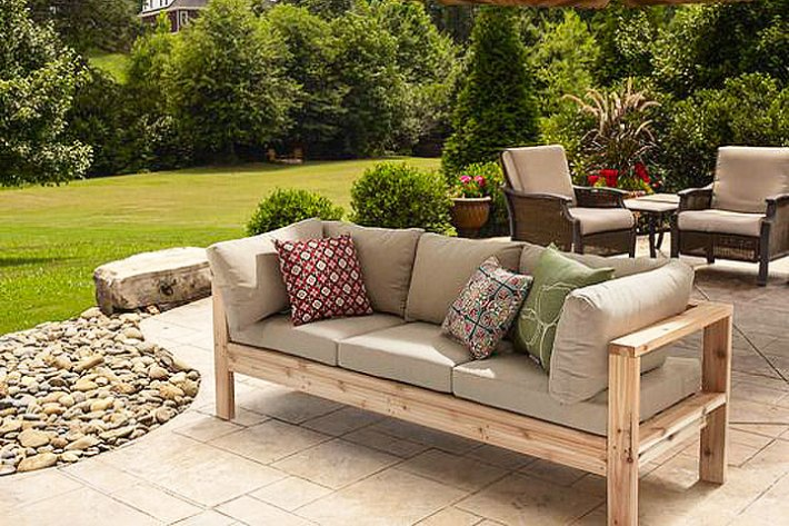 DIY – Summer Outdoor Sofa