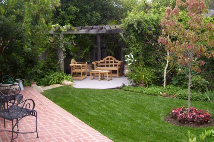 Quiet Corner Backyard Landscape Ideas With Natural Touch Quiet
