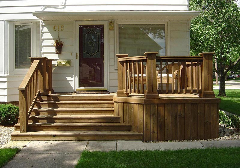 Ideas and Tips for Custom Front Yard and Backyard Decks ... on Small Yard Deck id=24624