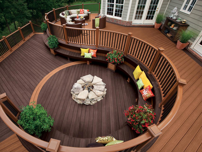 Ideas and Tips for Custom Front Yard and Backyard Decks