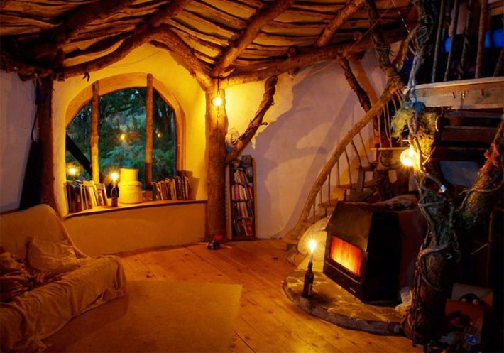Low-impact Hobbit home only cost US$4,650 to build