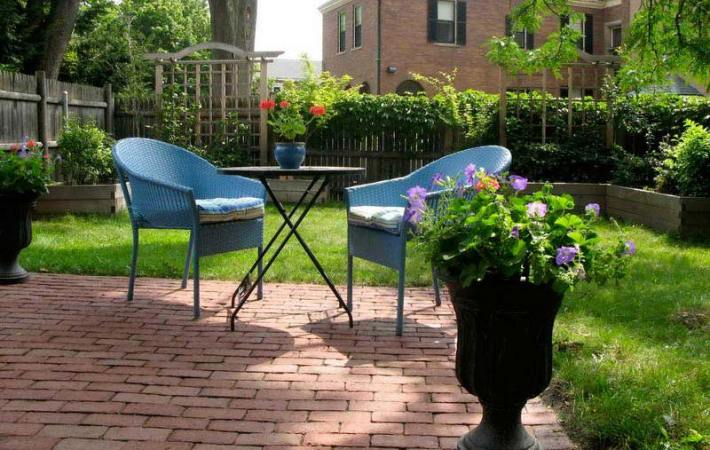 Small Backyard Ideas Enlarging Your Limited Space