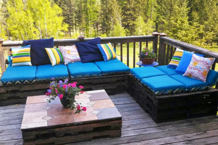 quiet corner wonderful wood pallet outdoor furniture ideas. Black Bedroom Furniture Sets. Home Design Ideas