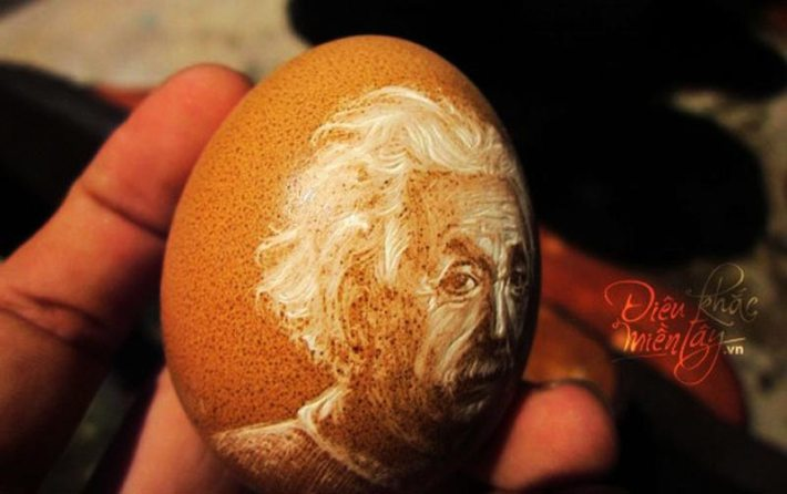 Vietnamese Artist Carves Portraits and Landscapes on Delicate Eggshells