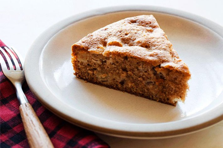 Apple Thyme Cake Recipe