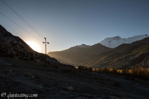 Early in the morning we left Manang for the trip to the ice lake