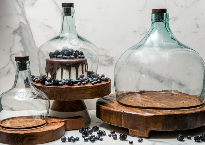 Stock your holiday gift closet and stop stressing - Balon Glass Cloche and Trivet
