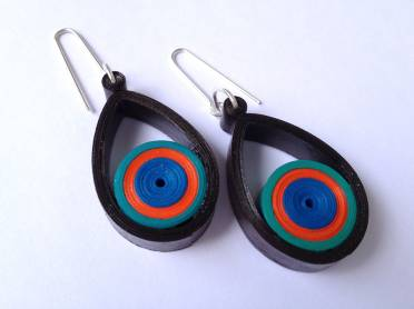 small teardrop quilled earrings tutorial - Little Circles