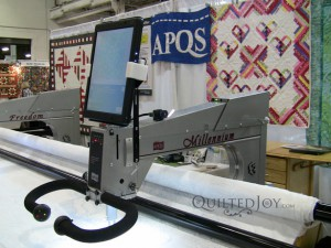 APQS Millie longarm with Intelliquilter