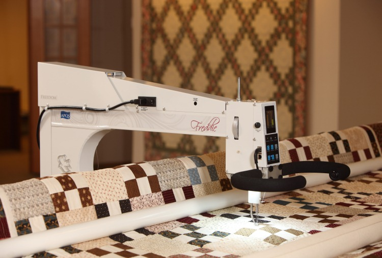 Used APQS Longarm Quilting Machines with factory warranty : millie long arm quilting machine - Adamdwight.com