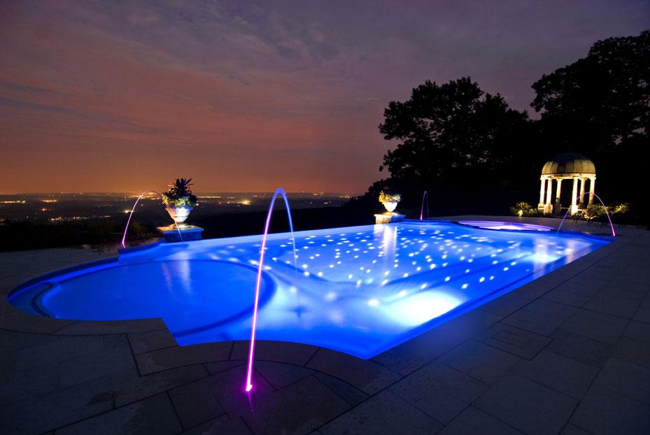 swimming-pool-night-deck-jets-quinju.com - quinju.com