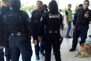 Bomba yucateca cimbra el palacio municipal de Cancún