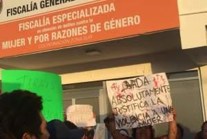 Policías pagarán por liberar a agresor de cantante cubana