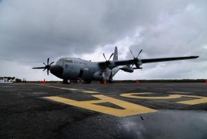 Presentan en Cozumel los aviones cazahuracanes