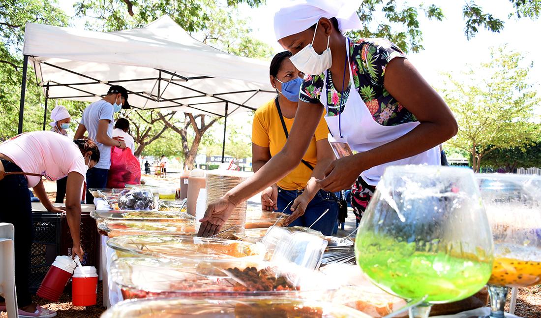 Más de 100 mujeres cabeza de hogar se beneficiaron de la Feria del Dulce
