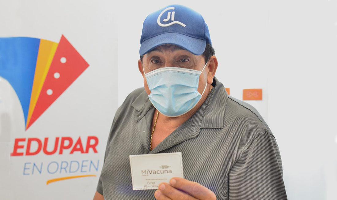Poncho Zuleta se vacunó contra el Covid-19