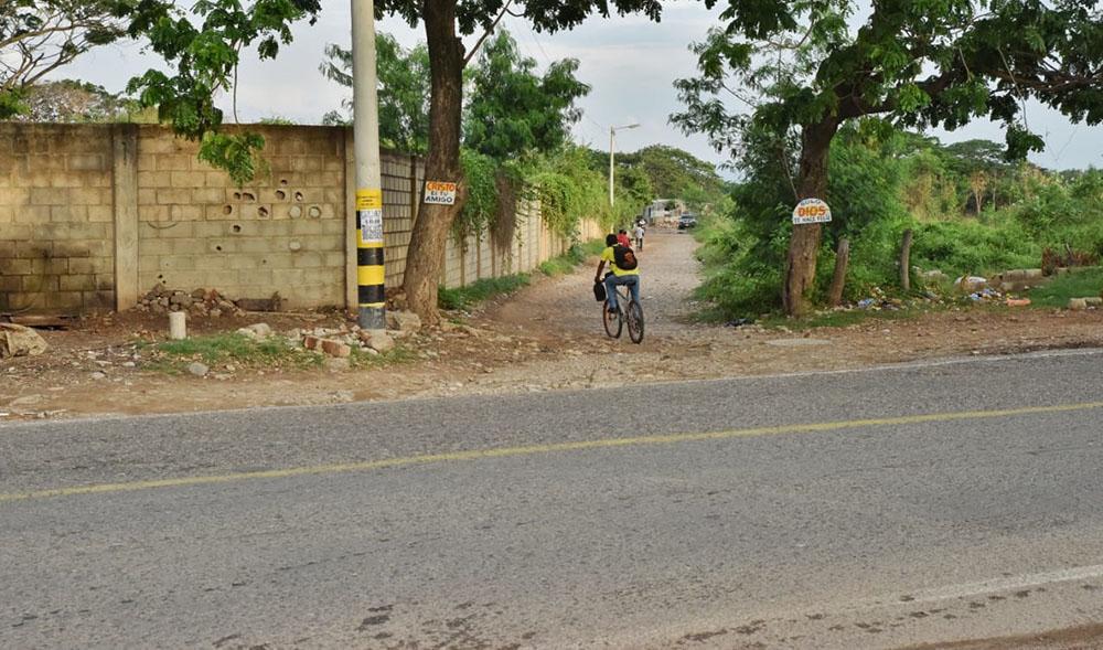 Consolidan proyecto para pavimentar la vía de acceso al Edén, en Valledupar
