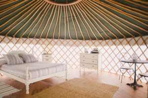 inside la cabush yurt