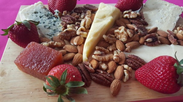 How to create the ultimate cheese plate