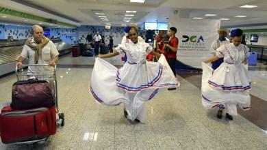 """Photo of Oficial: aumentan a US$3,000 la """"gracia navideña"""" para dominicanos en el exterior"""