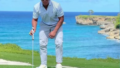 Photo of A-Rod jugando golf y bajando frías en RD (Video)