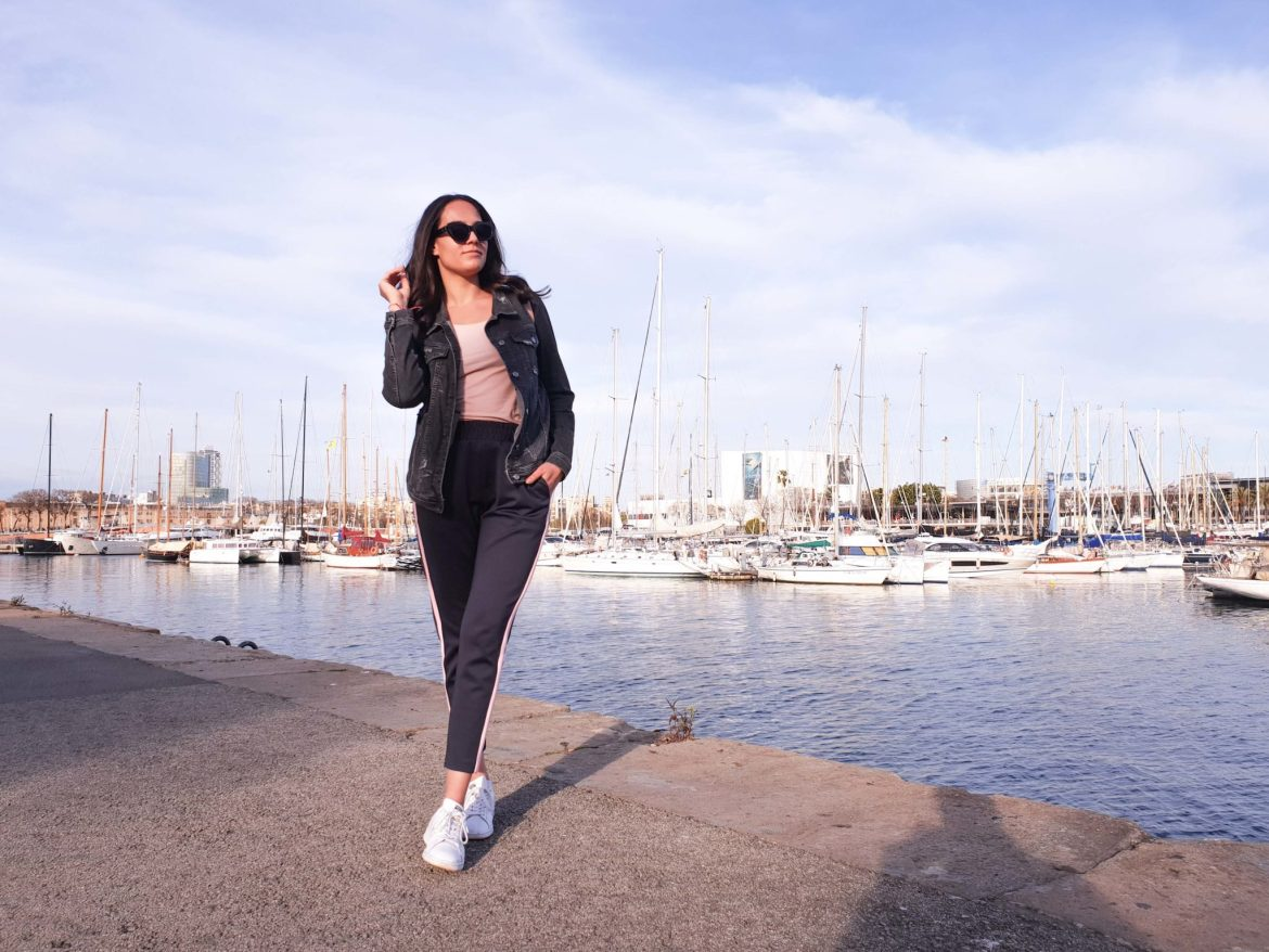 Spring Outfit with Basic Apparel in Barcelona / Quite a Looker Blog