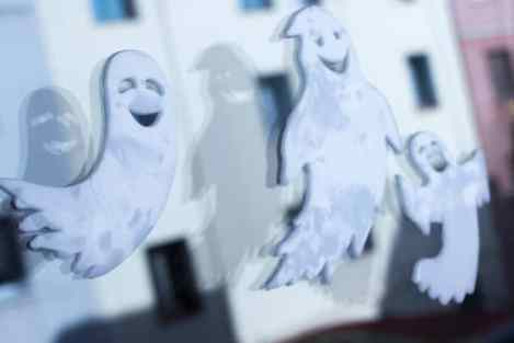 Halloween cute ghost background pictures