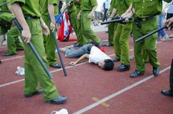Image result for công an dánh dân...