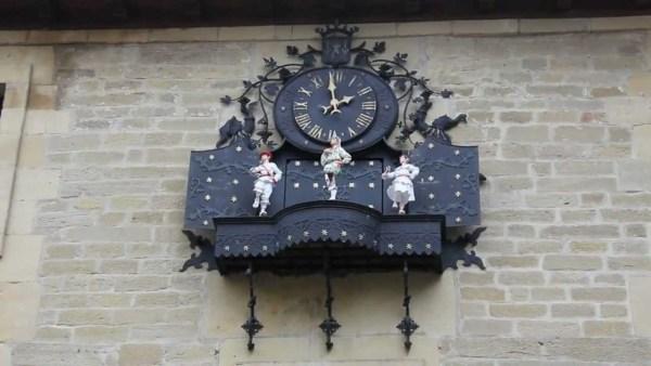 reloj ayuntamiento laguardia