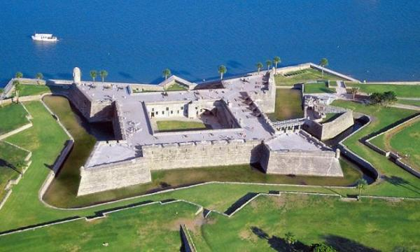 castillo_west_aerial