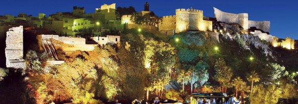 castillo-almunecar-de-noche