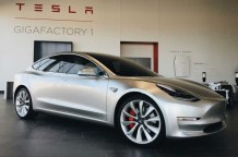 Tesla-Model-3-at-Gigafactory