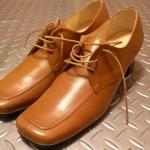 内反小趾と革靴。小ゆびの付け根が靴に当たって痛い!を解決。
