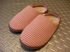 外反母趾と室内履き。スリッパにもインソール作れます。