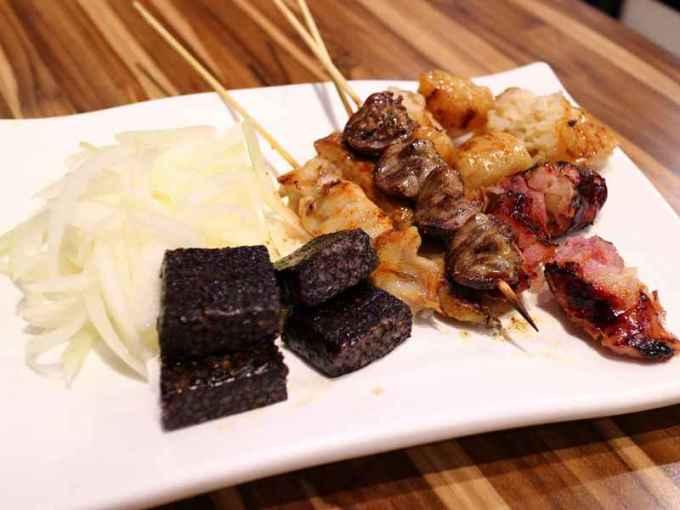 巴郎子碳烤新疆羊牛肉串 - 下班小酌、熱鬧氛圍好去處
