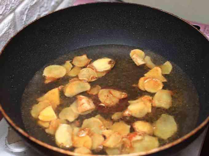 麻油雞飯 - 冬天必做好料理,一鍋就可開飯