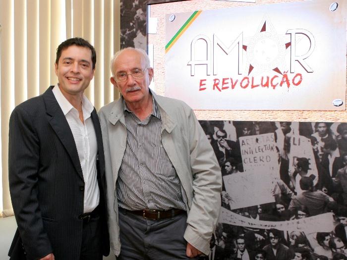 https://i1.wp.com/www.r7.com/data/files/2C95/948F/2EE4/4E29/012E/E473/7230/773A/amor-revolucao-lourival-ribeiro-sbt2.JPG