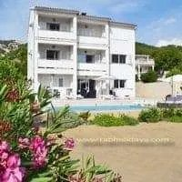 Villa MARIJA apartments with swimming pool in Croatia