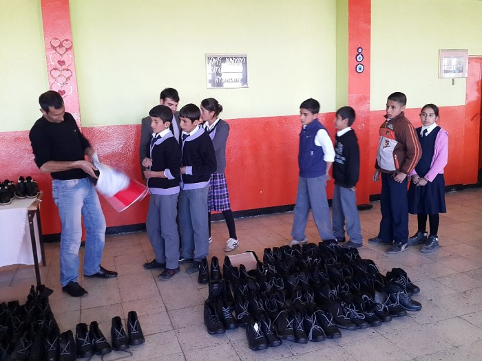 bingol-karliova-ayakkabi-yardimi-11