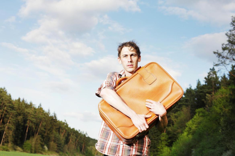 Hi ha homes que es pensen que hauran de fer les maletes per culpa del Satisfyer. // Imatge: Pixabay.