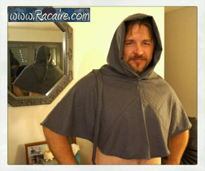 2015-07_Racaire_my-14th-century-XL-hood-sample_hand-sewing-finished_1
