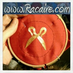 2016-04-12_Racaire_gold-embroidery_Catelin