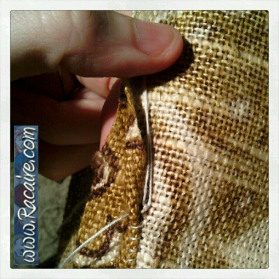 Craft with Racaire – Project 2 – fast and easy pouch tutorial – Step 2.2 – hand sewing - how to start a new thread...
