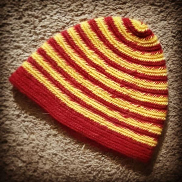 nalbinded cap - red and yellow stripes - medium