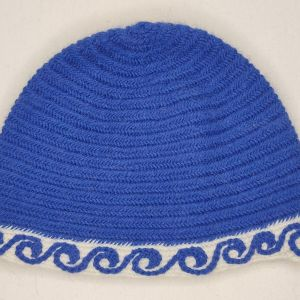 A one of a kind small/medium nalbinded cap with hand embroidery in blue & whiteSuper Fine Alpaca & Peruvian wool blend. Carefully worked by hand, hand embroidered, lovely soft & warm for a warm head during the next winter time!