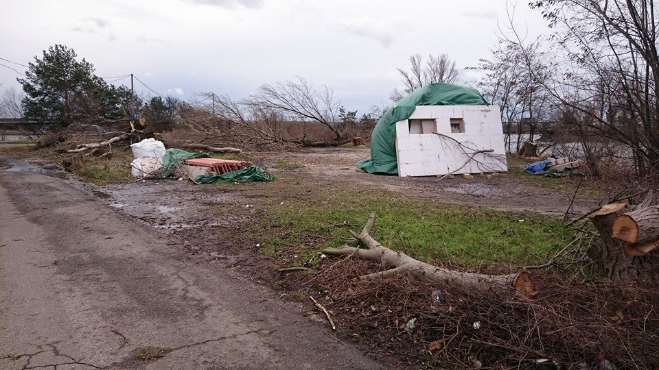 Ľudia zverejnili aktuálnu fotku z Bágra na facebooku s textom: Začínajúca výstavba na zdevastovaných Vajnorských jazerách?