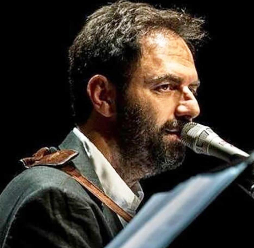 Neri Marcorè e i Musici omaggiano Guccini