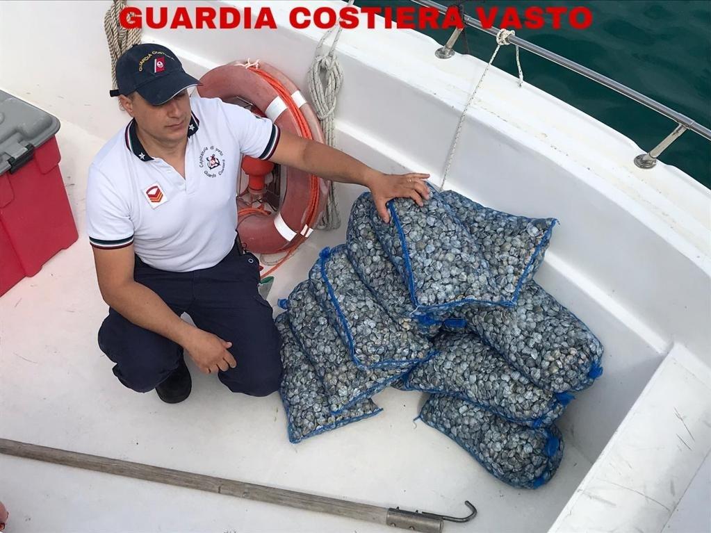 La guardia costiera sequestra 11 kg di pescato