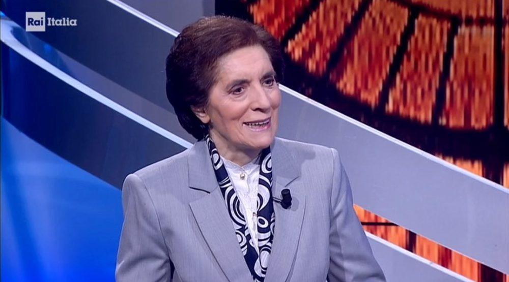Targa Universum donna a Suor Miriam Castelli
