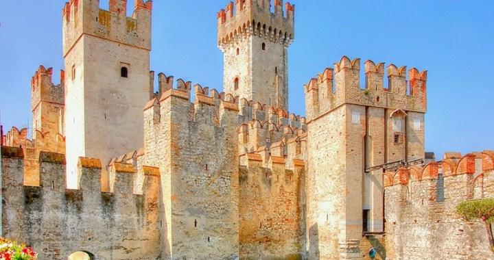 Castello di Sirmione un gioiello sul lago di Garda